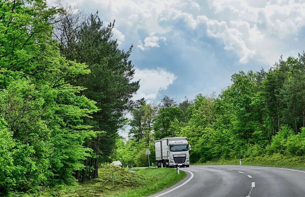 Transportatorii rutieri pot face testul COVID-19 la plecarea din Regatul Unit
