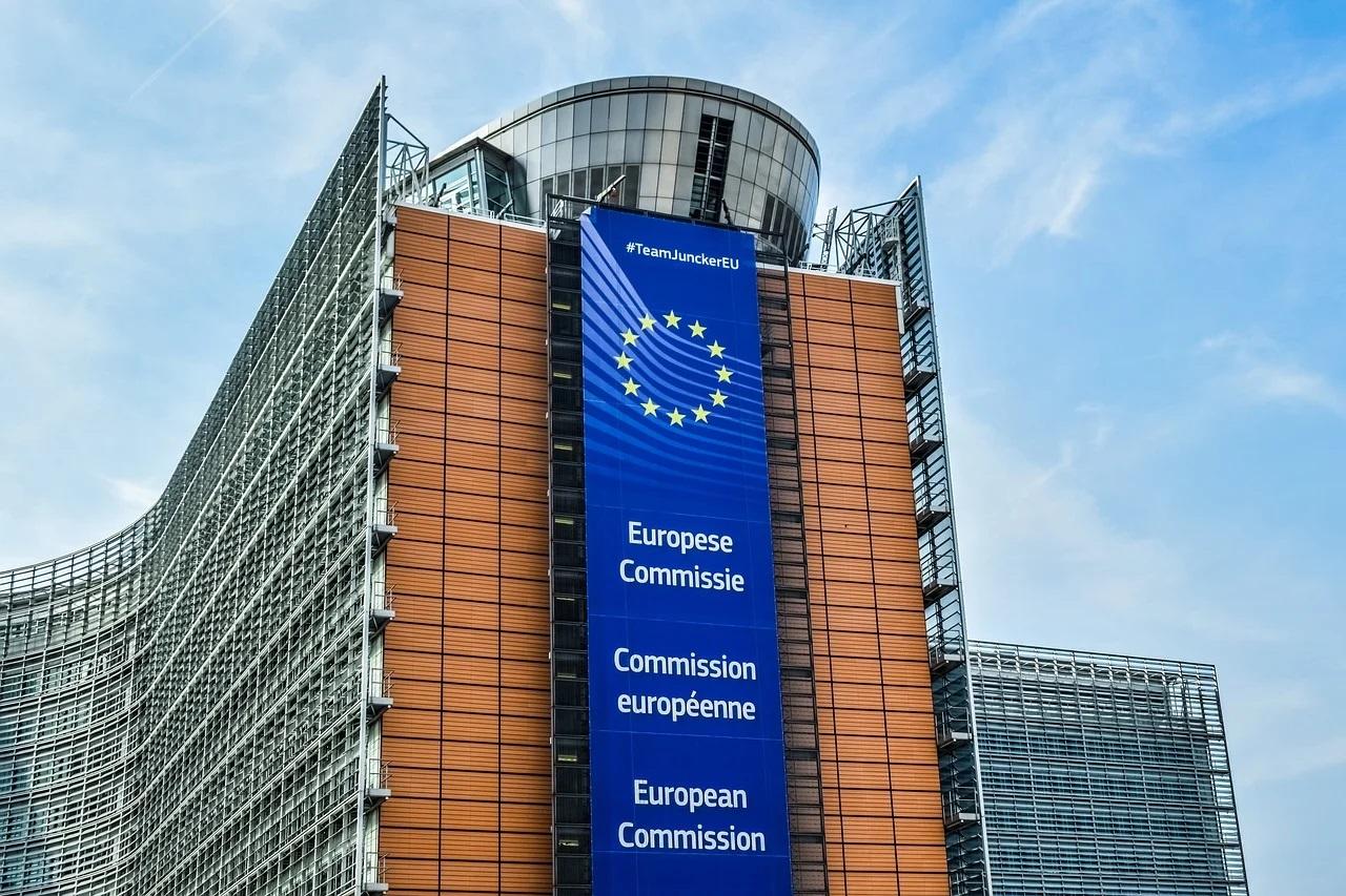 Planurile României de a compensa parțial întreprinderile mari consumatoare de energie, aprobate de CE
