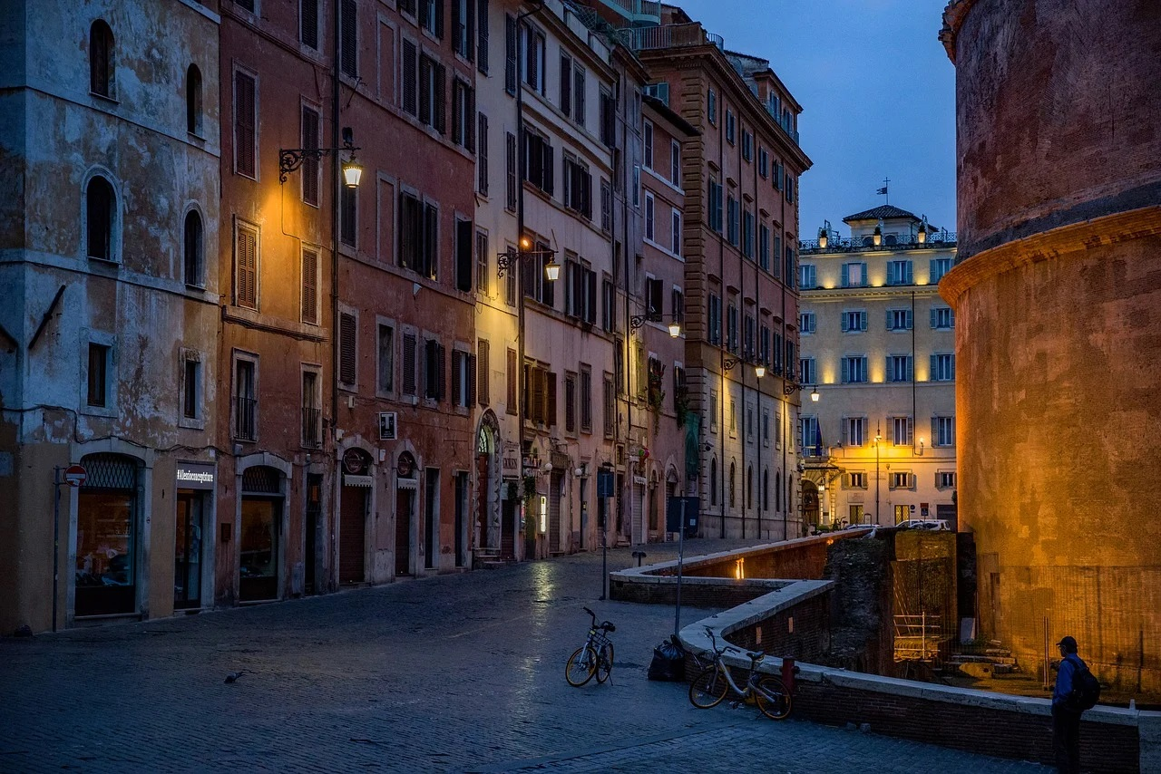 Italia înăspreşte interdicţiile