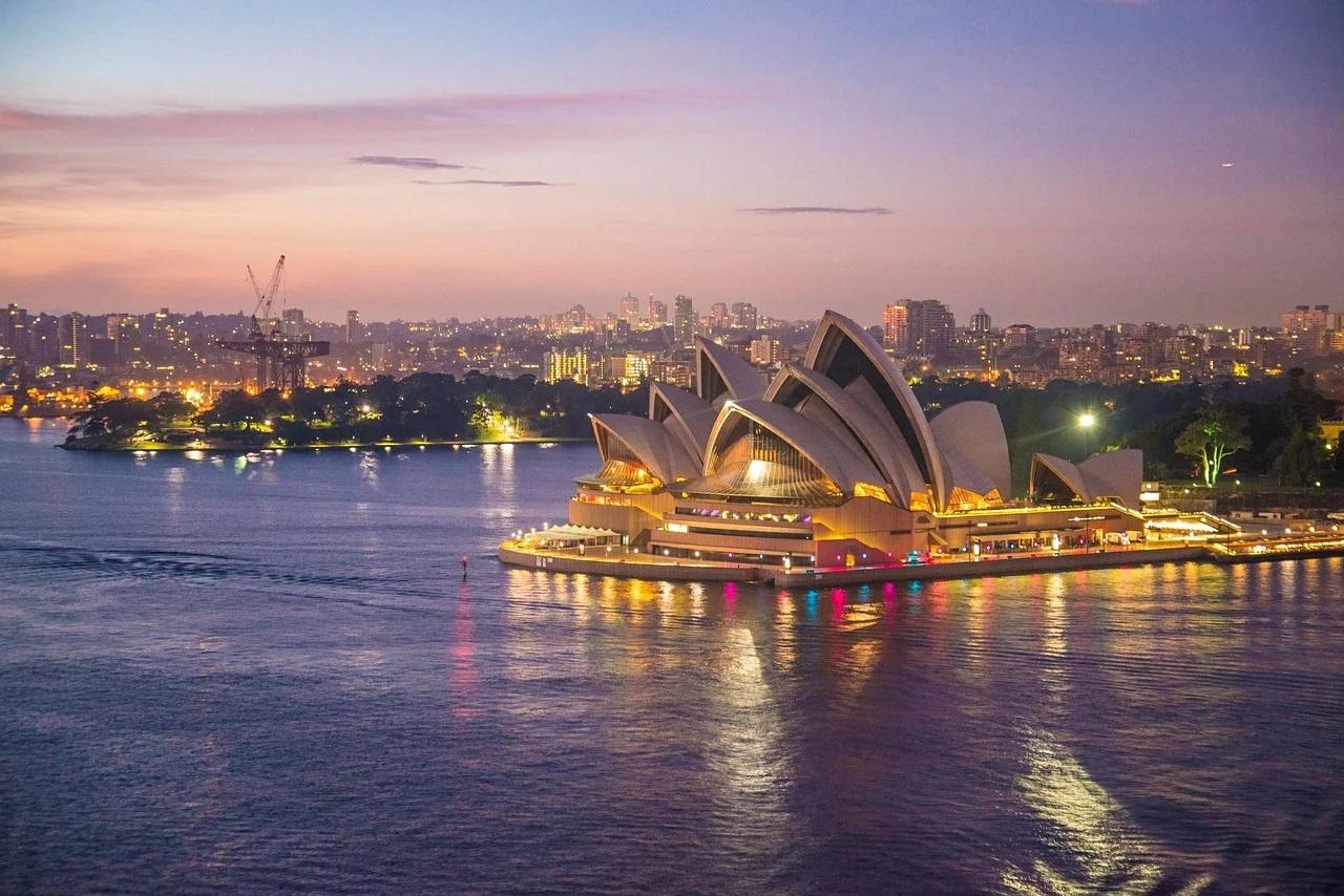 Australia ar putea expulza turiştii care au participat la o petrecere de Crăciun