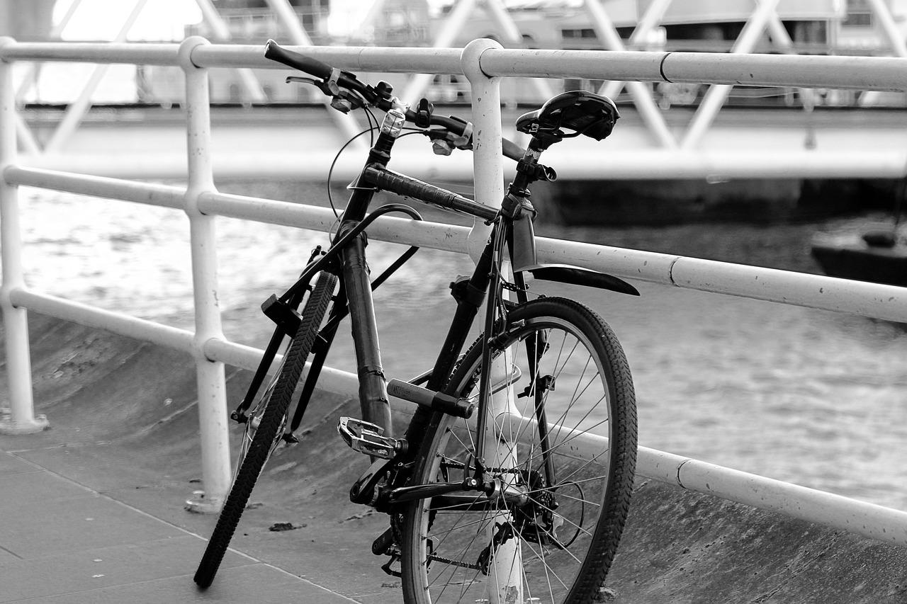 Britanicii, încurajați să meargă mai mult cu bicicleta