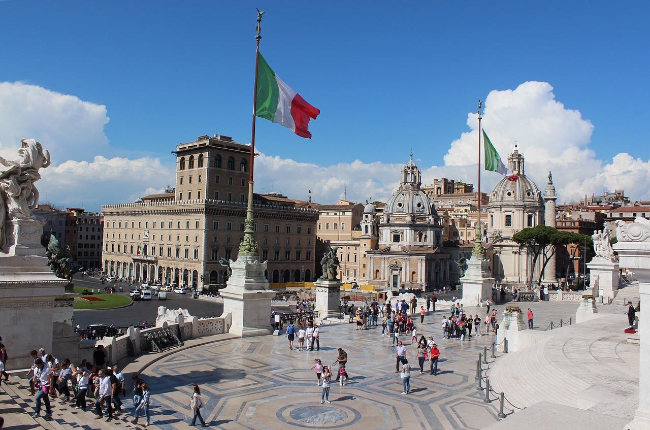 Italia ar putea impune carantina parţială