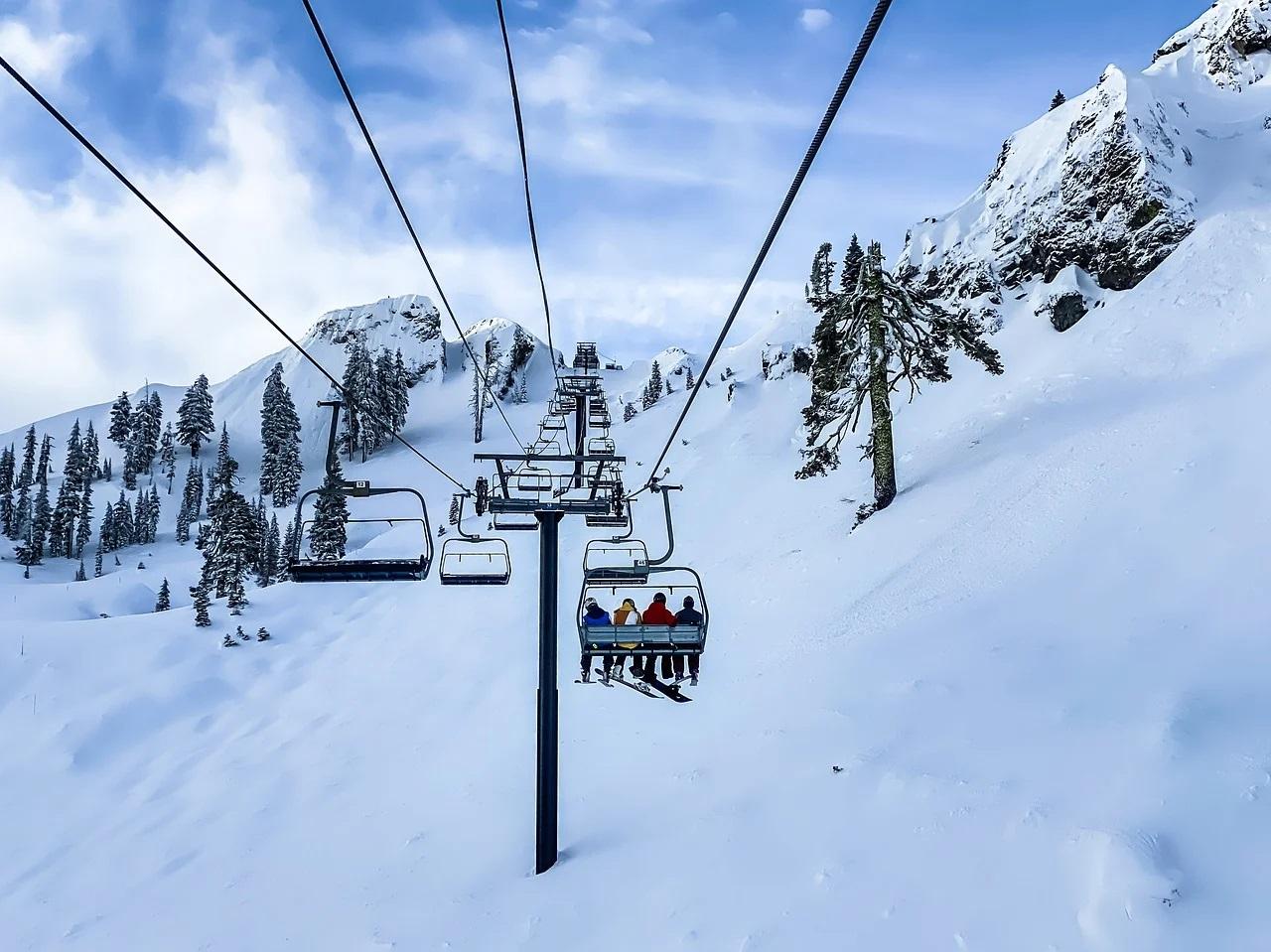 Dispută între ţările europene pe tema închiderii staţiunilor de schi