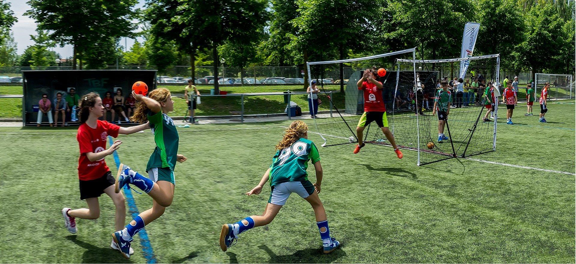 Echipa de handbal CSM Reşiţa rămâne în Liga Zimbrilor