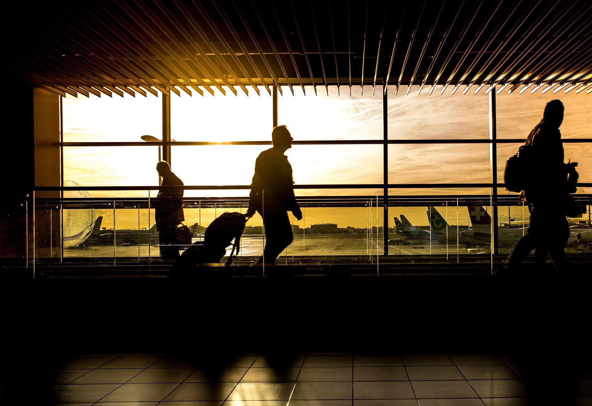 15 zboruri noi operează de la Cluj