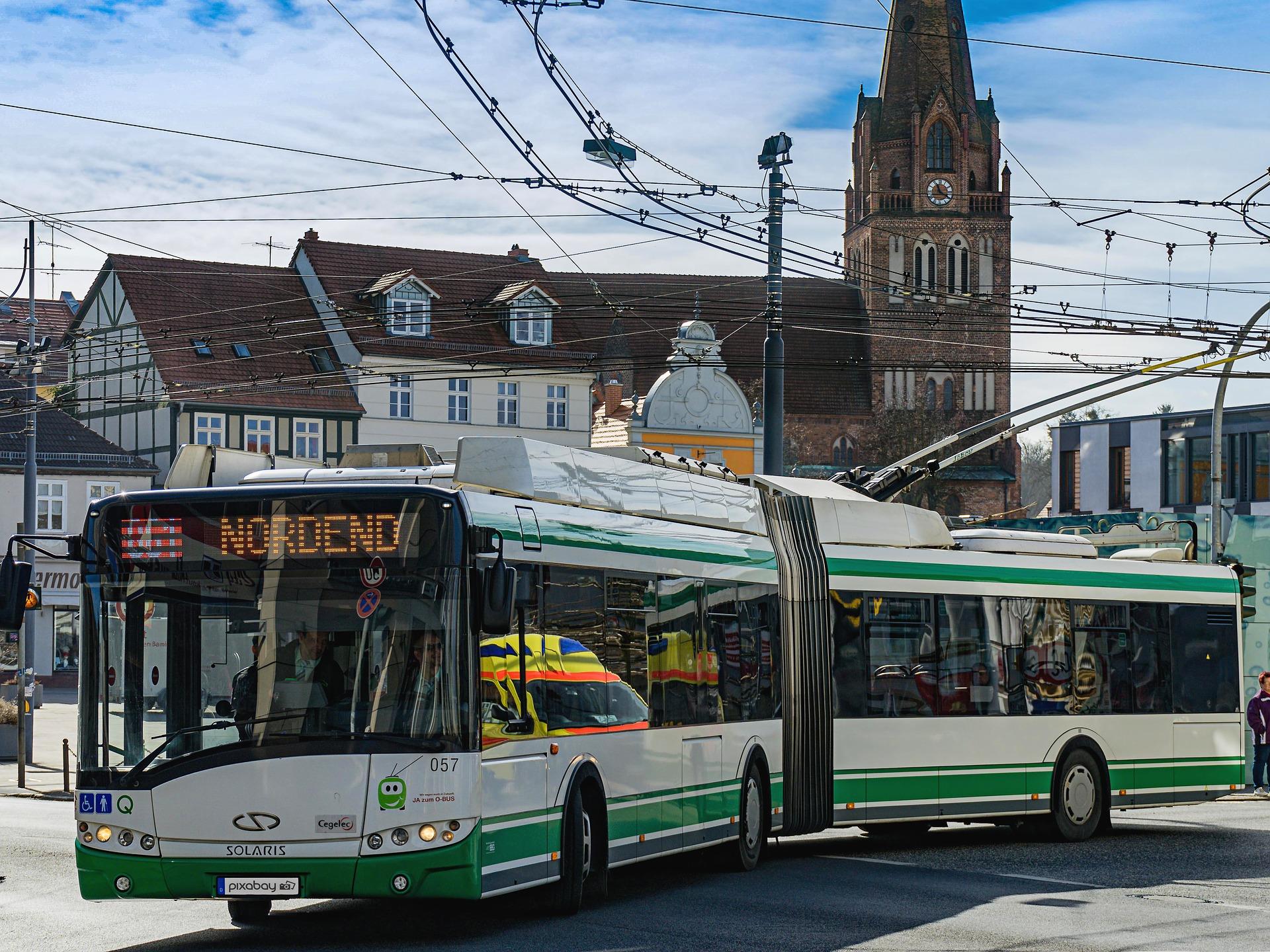 Craiova: Autobuze electrice, în circulație, de zilele orașului