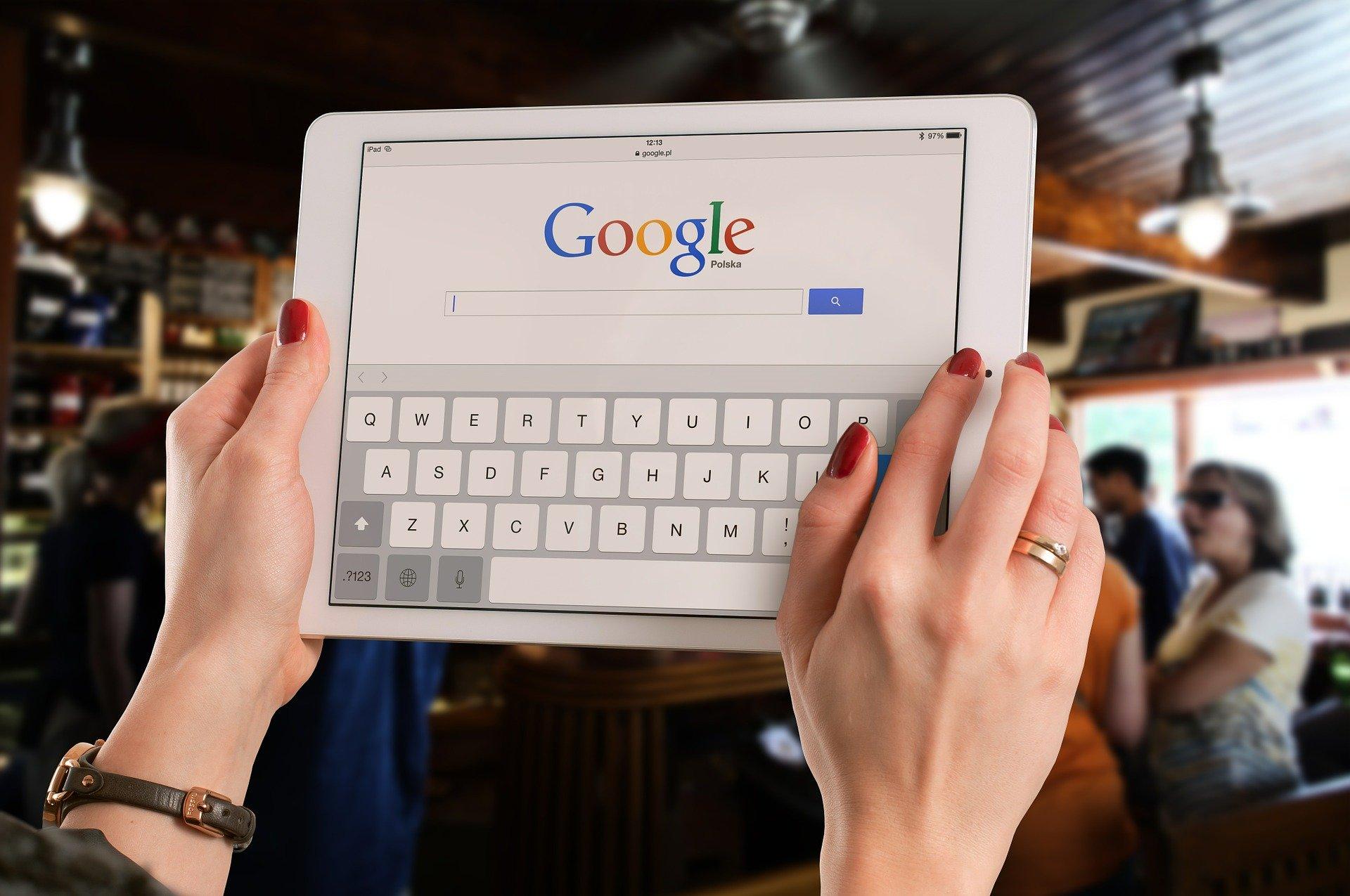 google va indexa pornind de la versiunea mobila