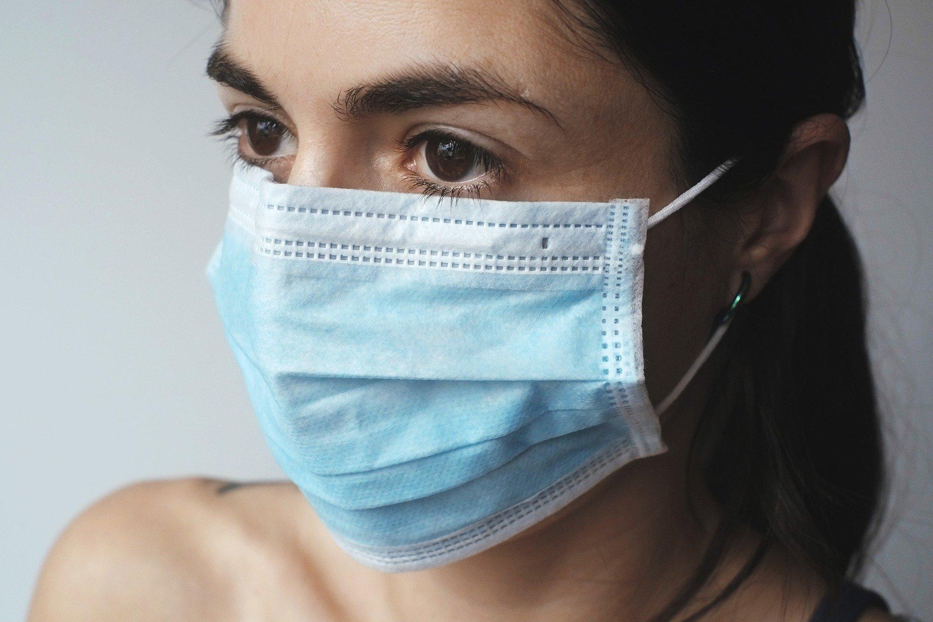 O româncă a reușit să scape de carantină, deși a venit dintr-un sat unde au fost 4 morți de coronavirus