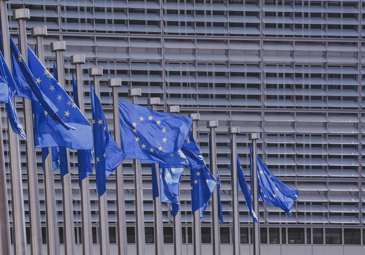 Parlamentul European cere eliminarea vizelor temporare pentru români