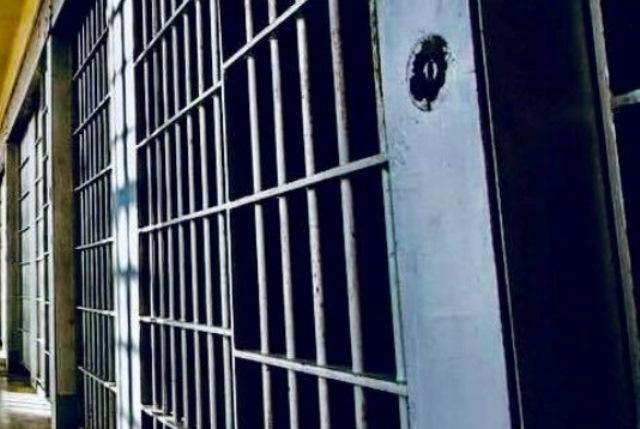 Cetăţean român, reţinut pentru trafic de persoane