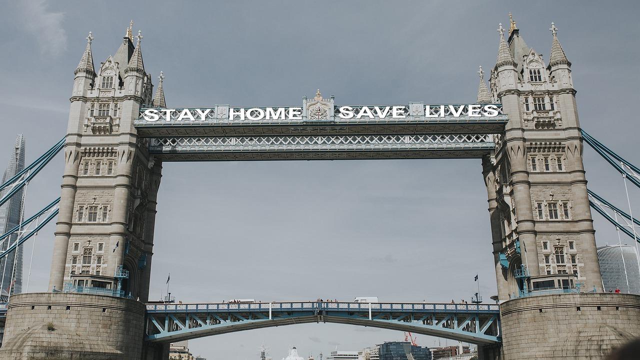 Londra intră în zona de pandemie agravată