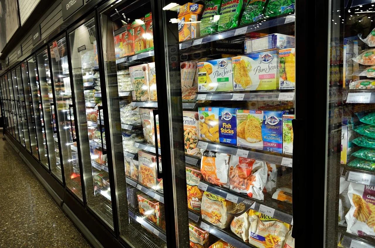 Alimentele congelate pot răspândi COVID-19