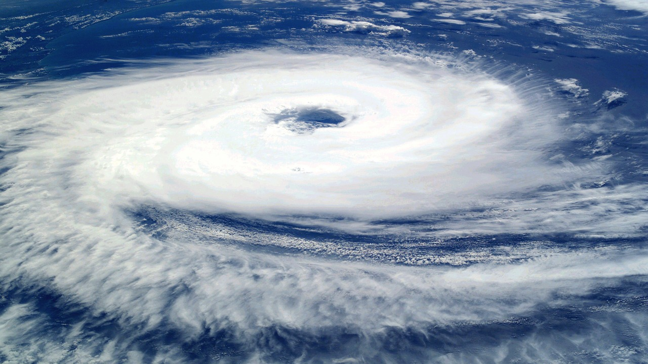 Ciclonul Ianos a provocat inundaţii şi întreruperi de electricitate