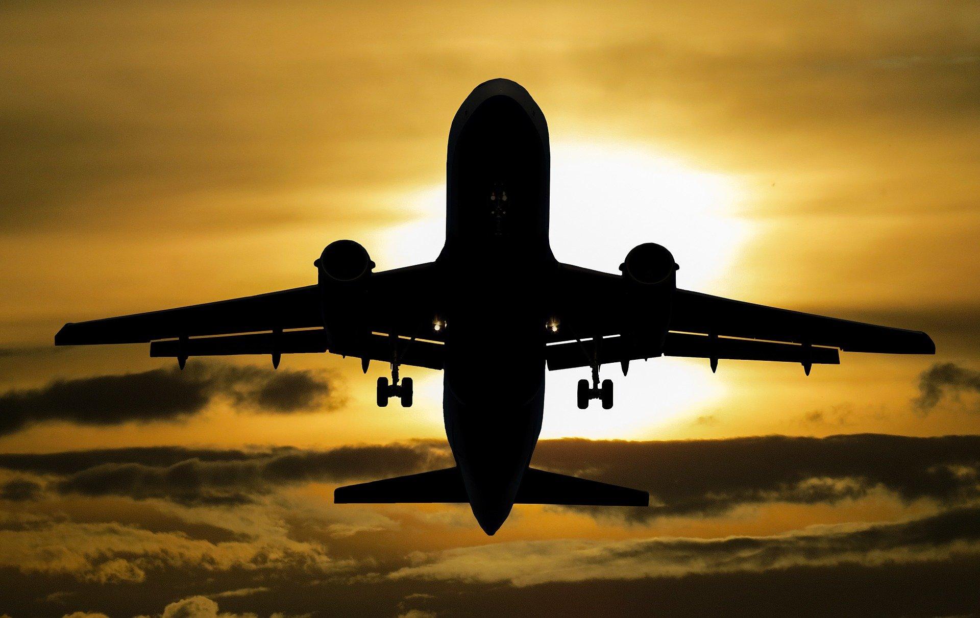 Cursa aeriană care urma să aducă în România a opta tranșă de vaccin Pfizer, anulată din cauza vremii
